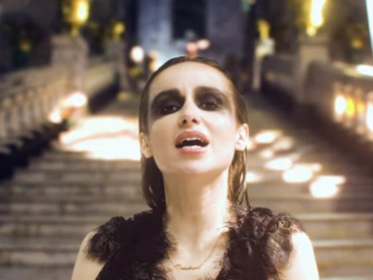Zahara en dualidad con 'Canción de muerte y salvación'