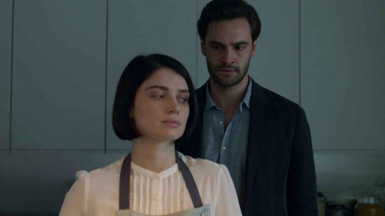 Detrás de sus ojos: fecha de estreno en Netflix y tráiler del thriller psicosexual lleno de terror