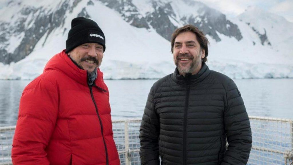 Carlos y Javier, en la Antártida rodando 'Santuario'.