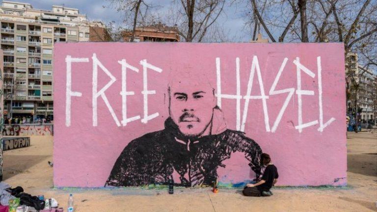 Pablo Hasel, ¿mártir?: El papá rico, el abuelo franquista y todo lo que 'esconde' el rapero detrás