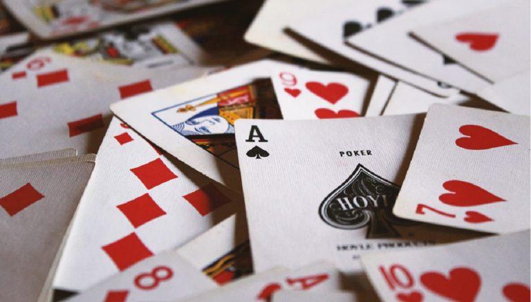 Mitos y curiosidades sobre los juegos de naipes