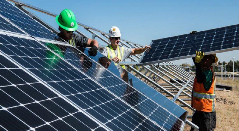 Cómo ahorrar en la factura de la luz con la instalación de paneles solares