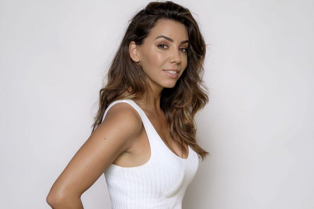 La bella Sandra Cervera presentará el concurso junto a Ion Arimendi.
