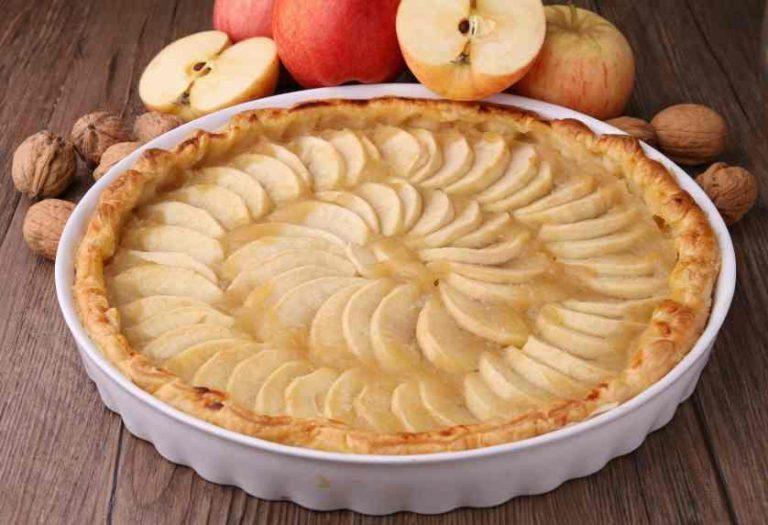 Tarta de manzana: cómo hacerla sin horno ni microondas en 20 minutos