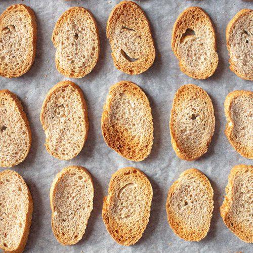 Por qué deberías tostar el pan si estás a dieta