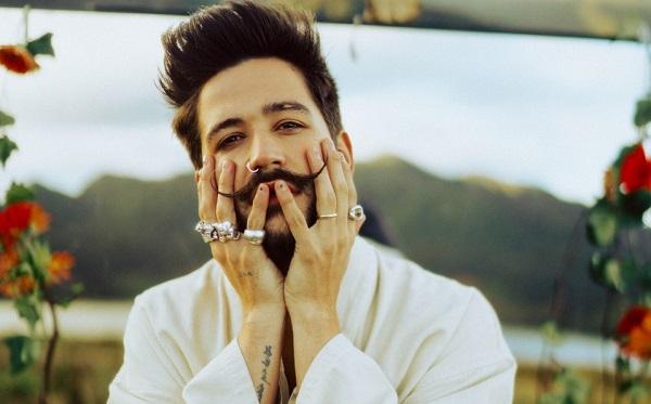 """Camilo y """"Mis manos"""", su nuevo álbum"""