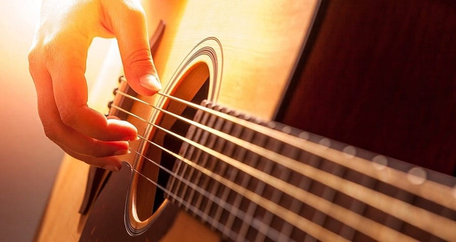 Comienza con los acordes básicos de la guitarra