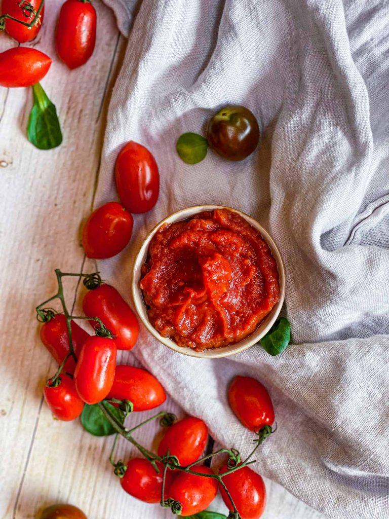 ¿Cuánto azúcar lleva el Kétchup vs el Tomate?