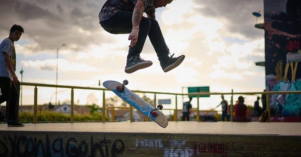 El skateboard y el skateboarding