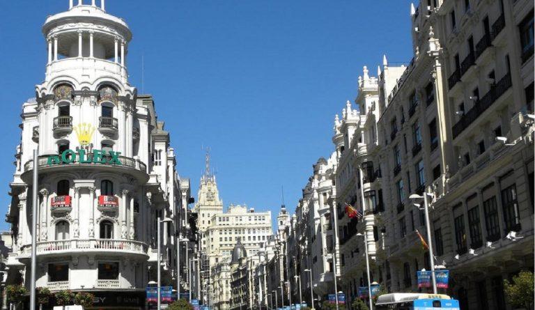 Ciudades españolas donde es más fácil (y más difícil) ligar