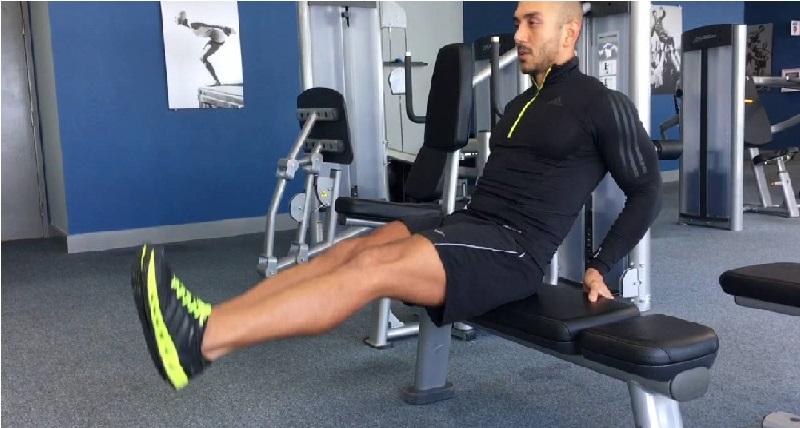 Segundo ejercicio -Elevación de piernas en banco