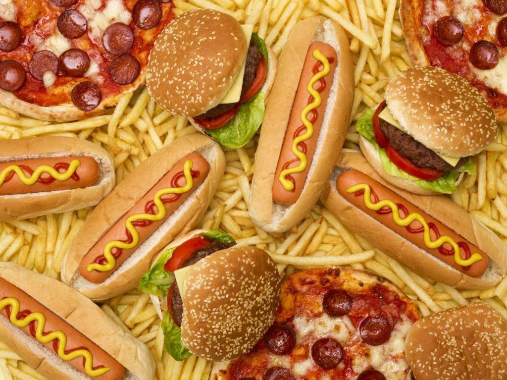 ¡Te pueden envenenar! El queso más peligroso y otros alimentos que ponen en riesgo tu salud