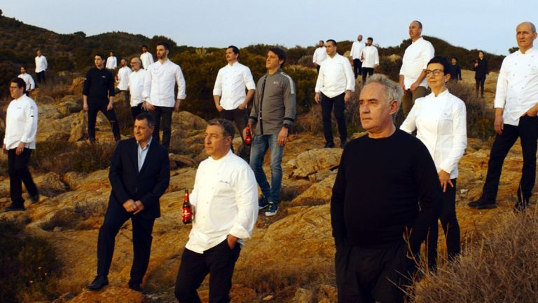 """""""Chefs"""", la última campaña de Estrella Damm que brinda su apoyo a la hostelería"""