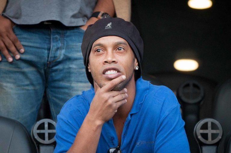 De estrella a estrellado: las malas decisiones de Ronaldinho que acabaron con su carrera