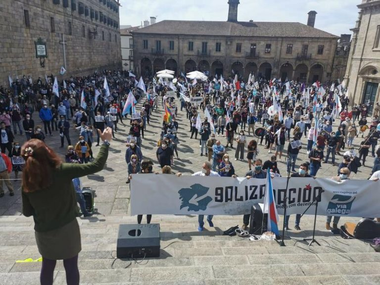 "Una multitudinaria manifestación en Santiago reivindica a Galicia como ""nación"""