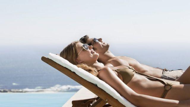 ¿Cuáles son los beneficios de tomar el sol?