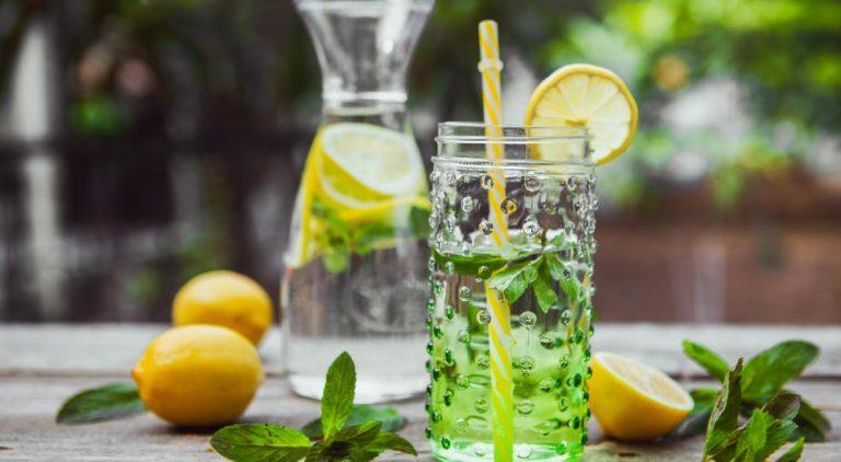 Beneficios de beber agua con limón todos los días