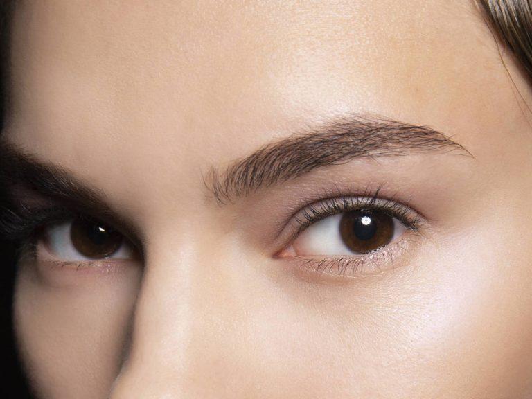 Cómo recuperar la forma de las cejas si te has pasado al depilar