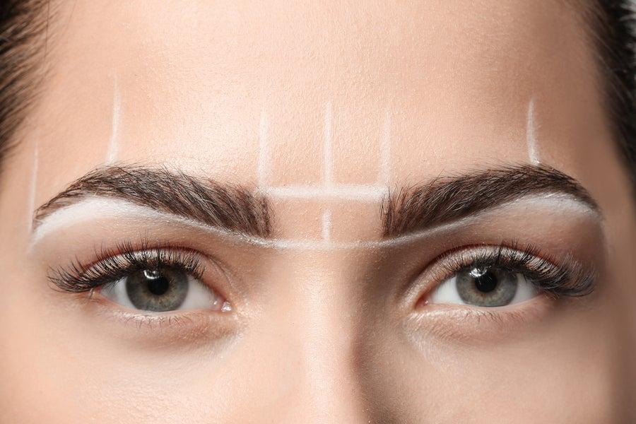 ¿Cómo solucionar el problema de la depilación extra de las cejas?