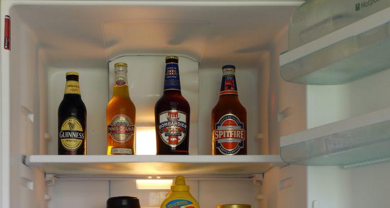 Cómo enfriar rápidamente una cerveza
