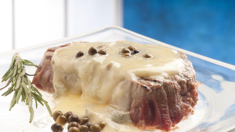 ¿Qué otras variaciones puedes hacer si no tienes los ingredientes de la receta de salsa roquefort sin nata?