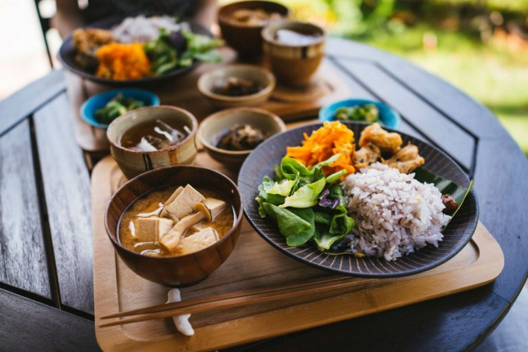 Dieta de Okinawa: así debes comer para aumentar tu esperanza de vida (y perder muchos kilos)