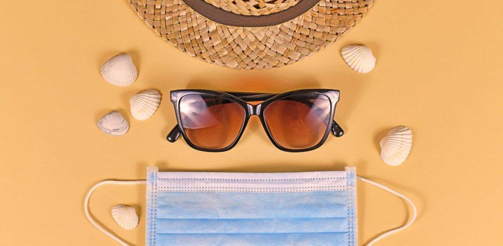 El uso de mascarillas para el verano playa