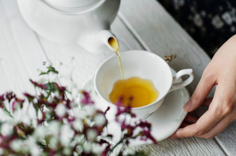 Estos son los motivos por los que debes tomar té blanco a diario