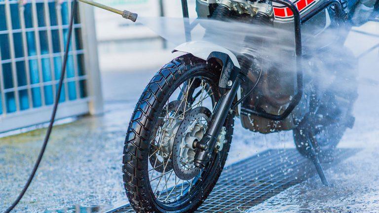 Cómo limpiar a fondo una moto