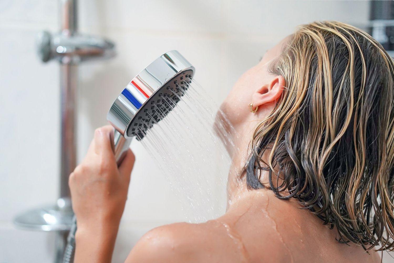 ducharse por la  noche