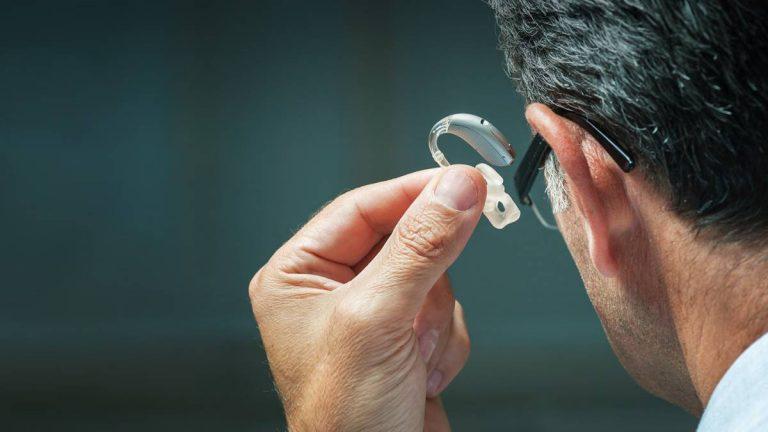 Qué es un audífono