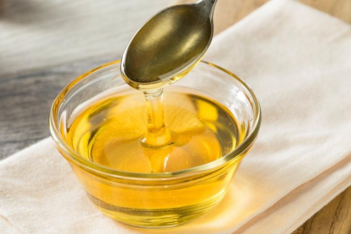 Cómo hacer almíbar, el ingrediente secreto para mojar tus bizcochos