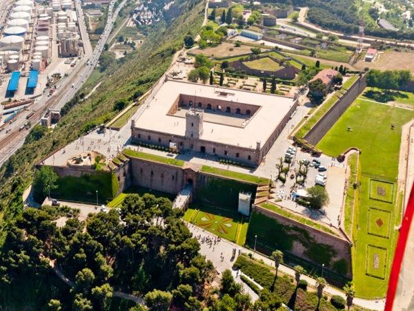Castillos únicos: el Montj