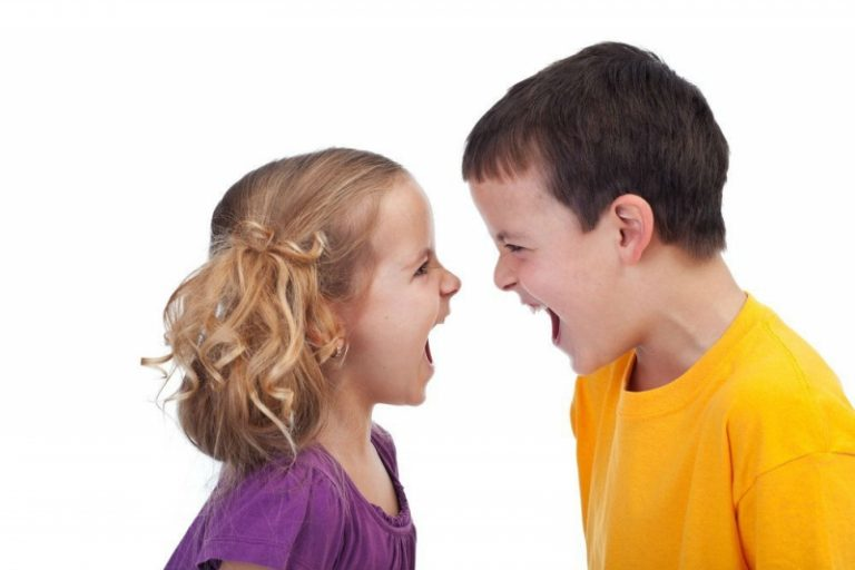 Cómo enseñar a un niño a defenderse sin violencia