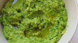 Ingredientes para el pesto de guisantes