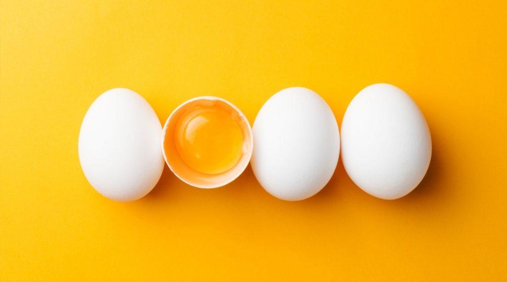 ¿Qué función cumplen los huevos en las preparaciones?