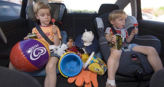 Opciones de entretenimiento para niños durante un largo viaje