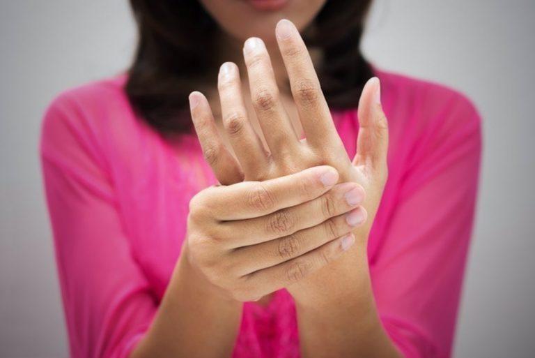 Este es el motivo por el que se te duermen las manos
