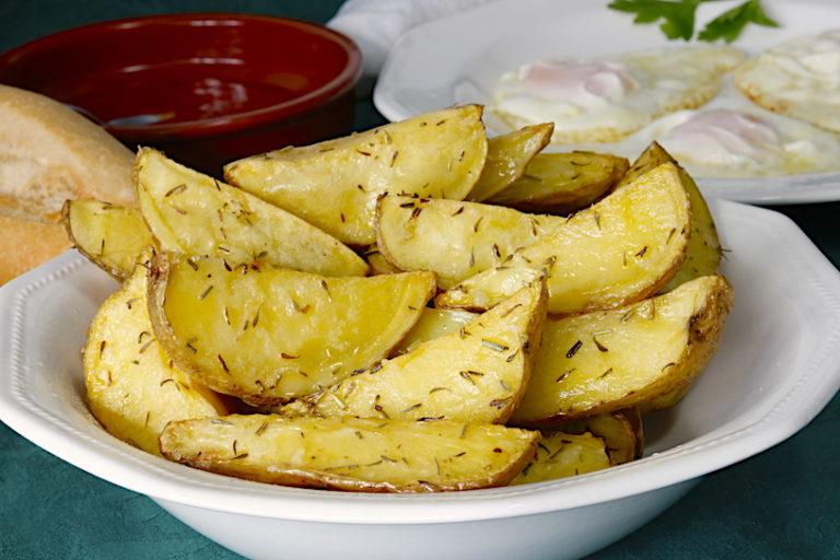 Patatas asadas: los trucos que harán que te salgan perfectas en el horno