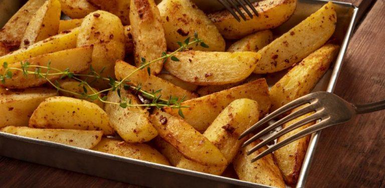 Patatas gajo: así se hacen en el microondas para que queden tiernas por dentro