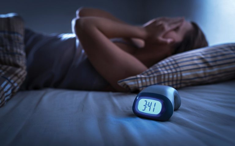 ¿Problemas para dormir? Frutas y verduras que te dan insomnio