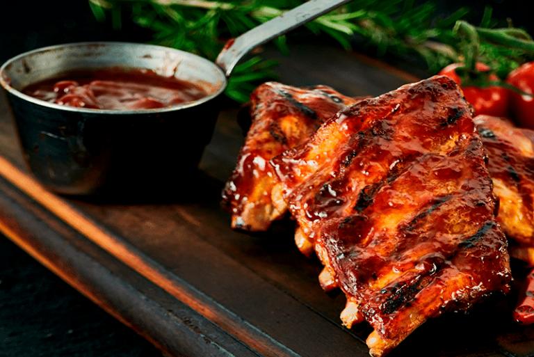 Cómo hacer unas costillas de cerdo con salsa Jack Daniel's