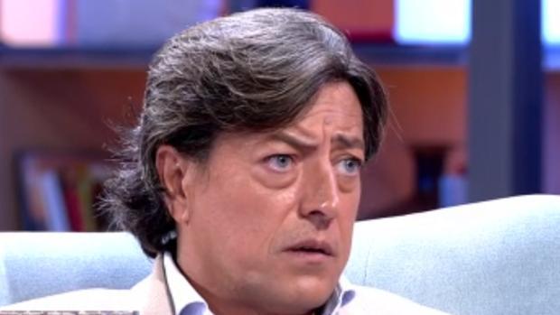 Ernesto Neyra, exmarido de Carmina Ordóñez, en un plató de televisión.