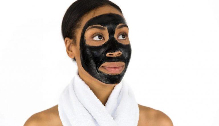 El carbón vegetal y su poder detoxificante en la piel