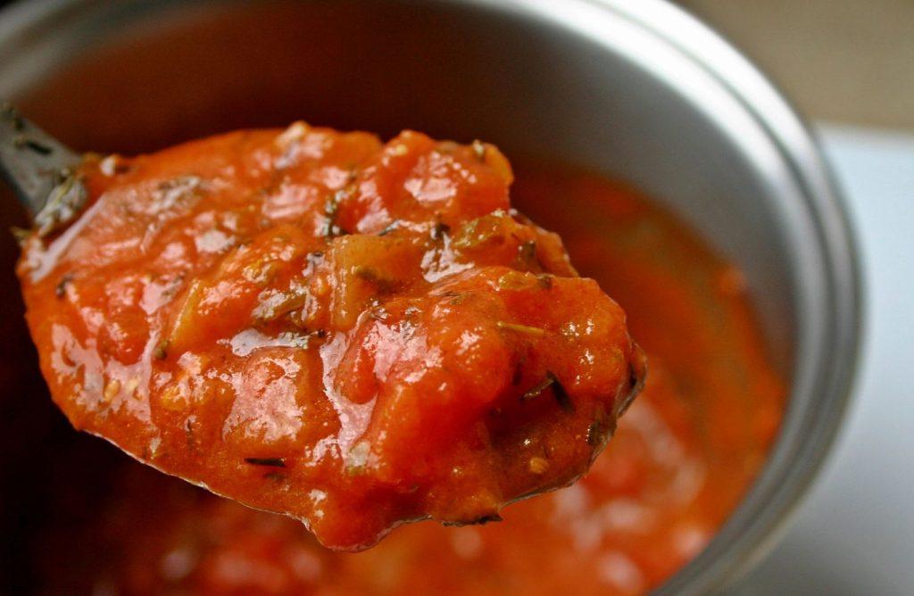 Albóndigas en salsa: esto es lo que debes echarle a la salsa para que espese