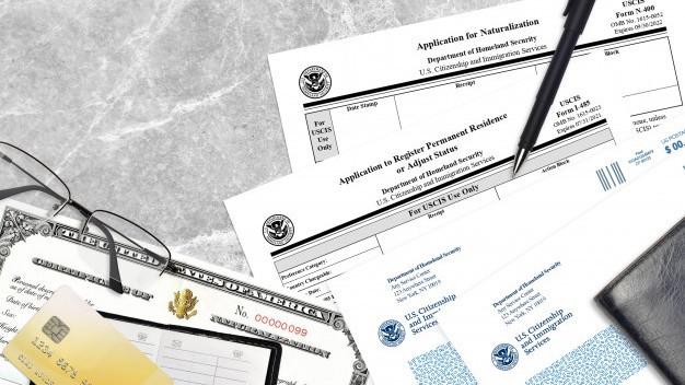 ¿Cómo se obtiene el permiso de trabajo?