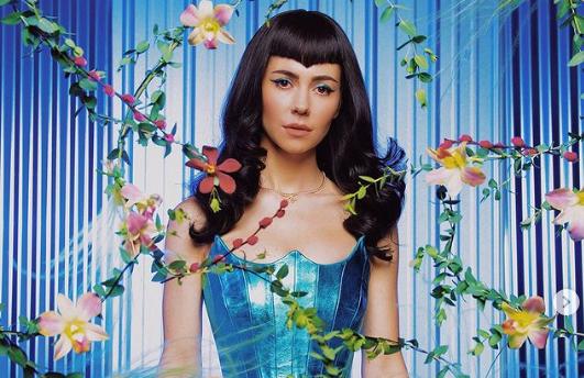 """Marina y """"Ancient Dreams In A Modern Land"""", su nuevo álbum"""