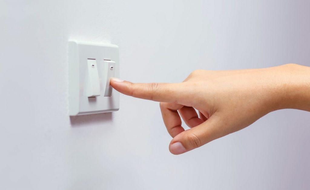 Un escollo con el IVA de la luz que el Gobierno no puede palear