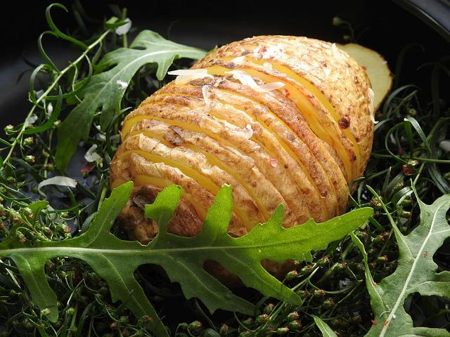 Patatas Hasselback: así debes partirlas para que no se quemen