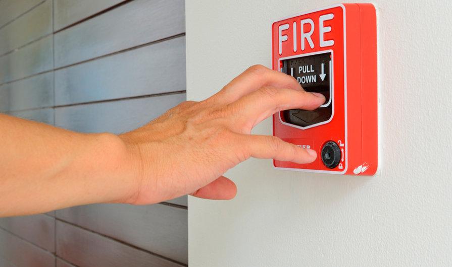 Herramientas que todos debemos tener en casa para hacer frente a un incendio